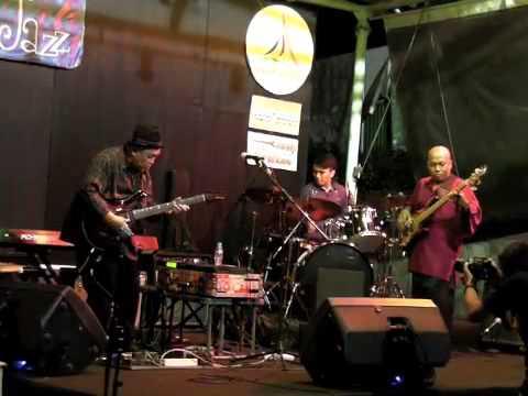 Donny Suhendra Trio @ Margo Friday Jazz