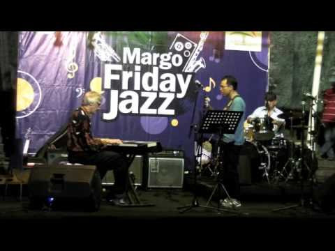 Rene Van Helsdingen, Indro Hardjodikoro & Benny Mustafa @ Margo Friday Jazz