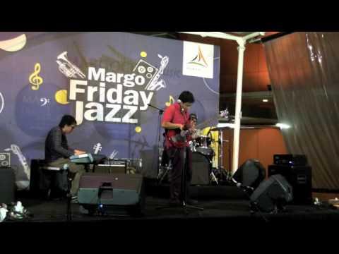 Chaka Priambudi Trio